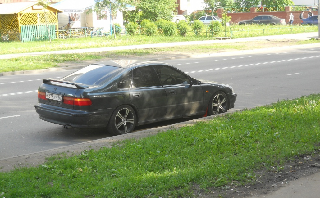 Honda Innova Черная