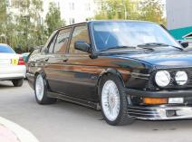 Alpina B9 (E28)