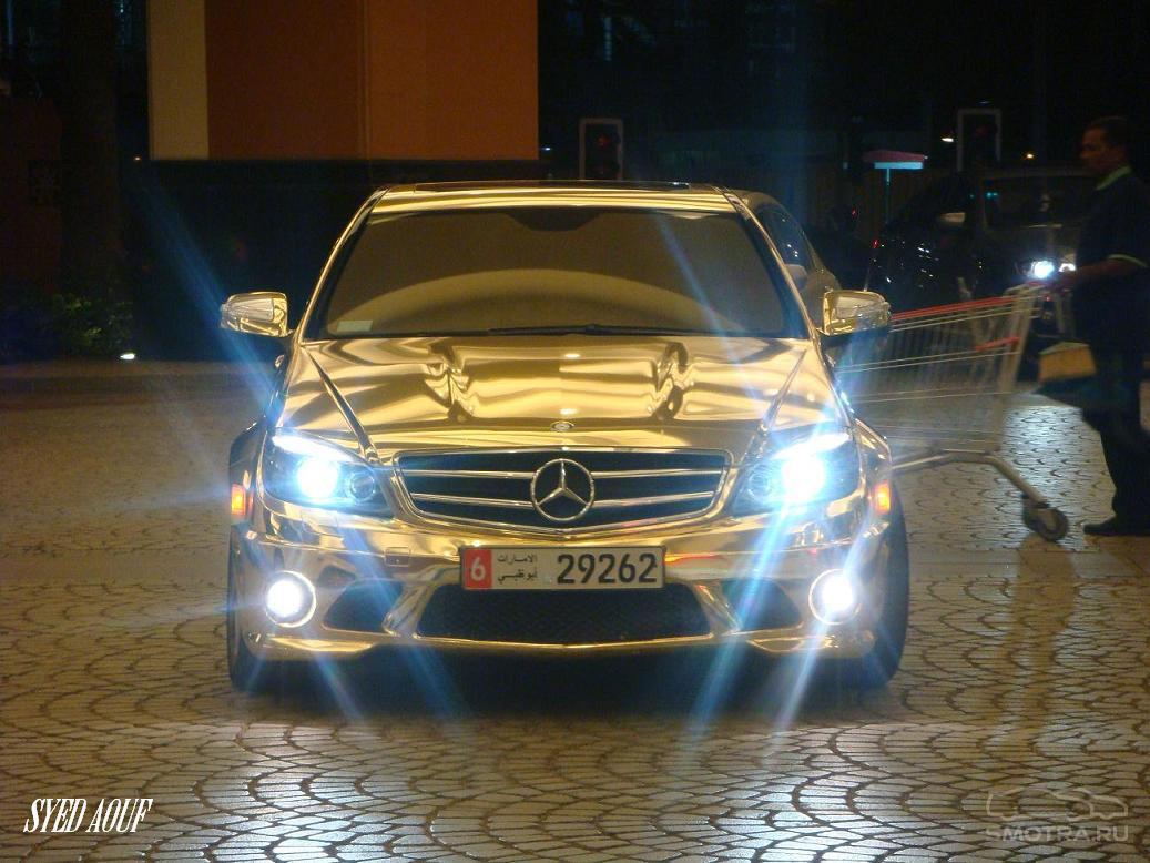 Этот Mercedes-Benz C63 AMG с з…