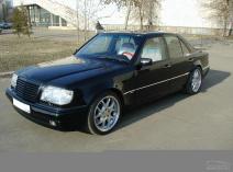 Mercedes-Benz 220 (W124)