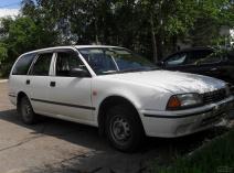 Nissan Avenir (W10)