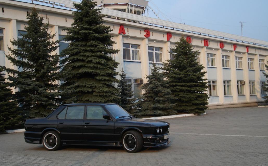 BMW M5 (E28) Черная акула