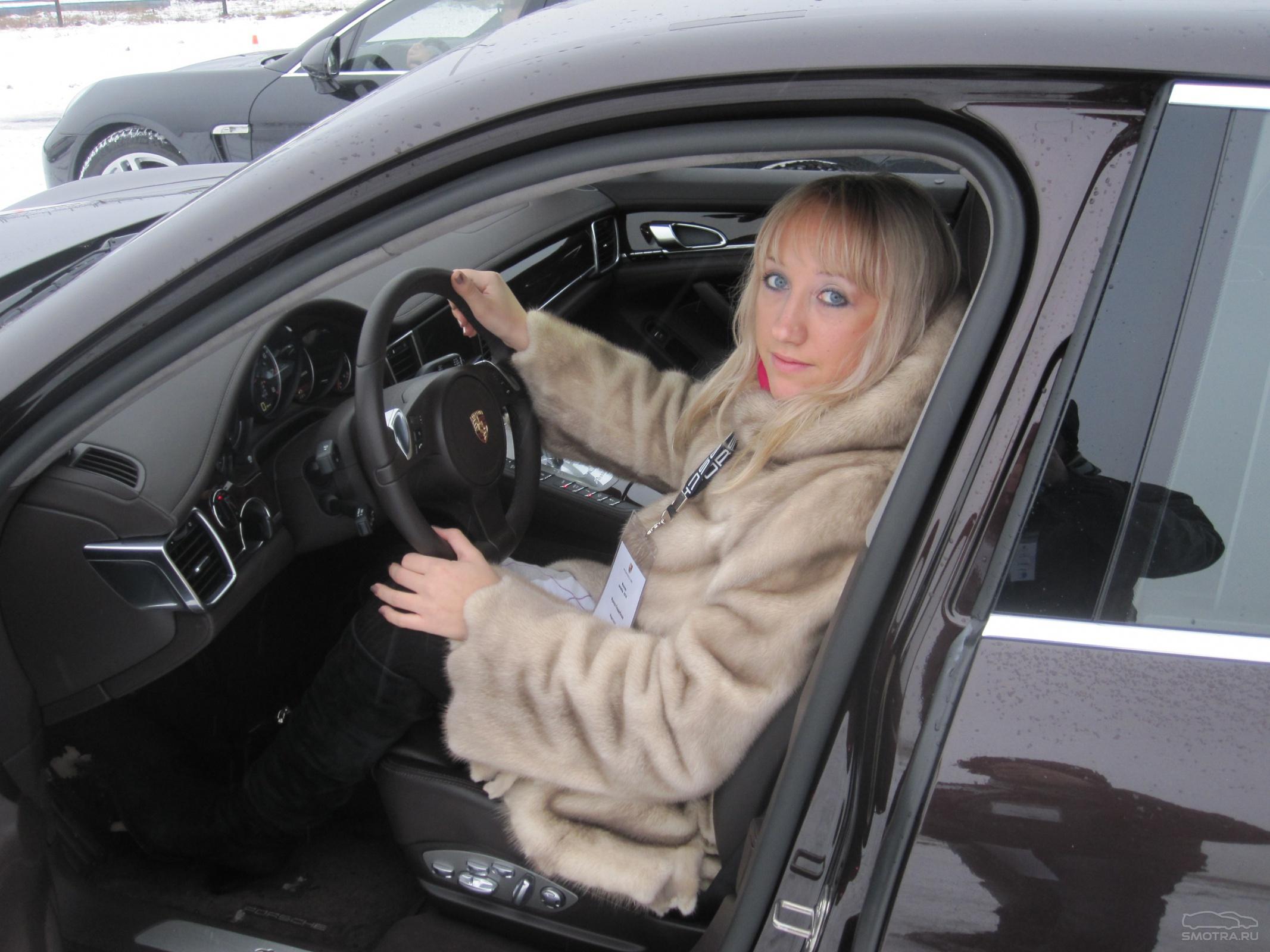 шлюхи дают в машине