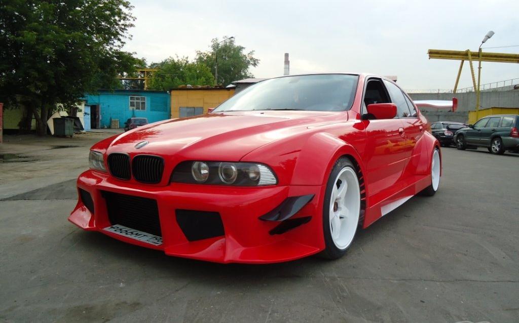 BMW 5er (E39) СUSTOS