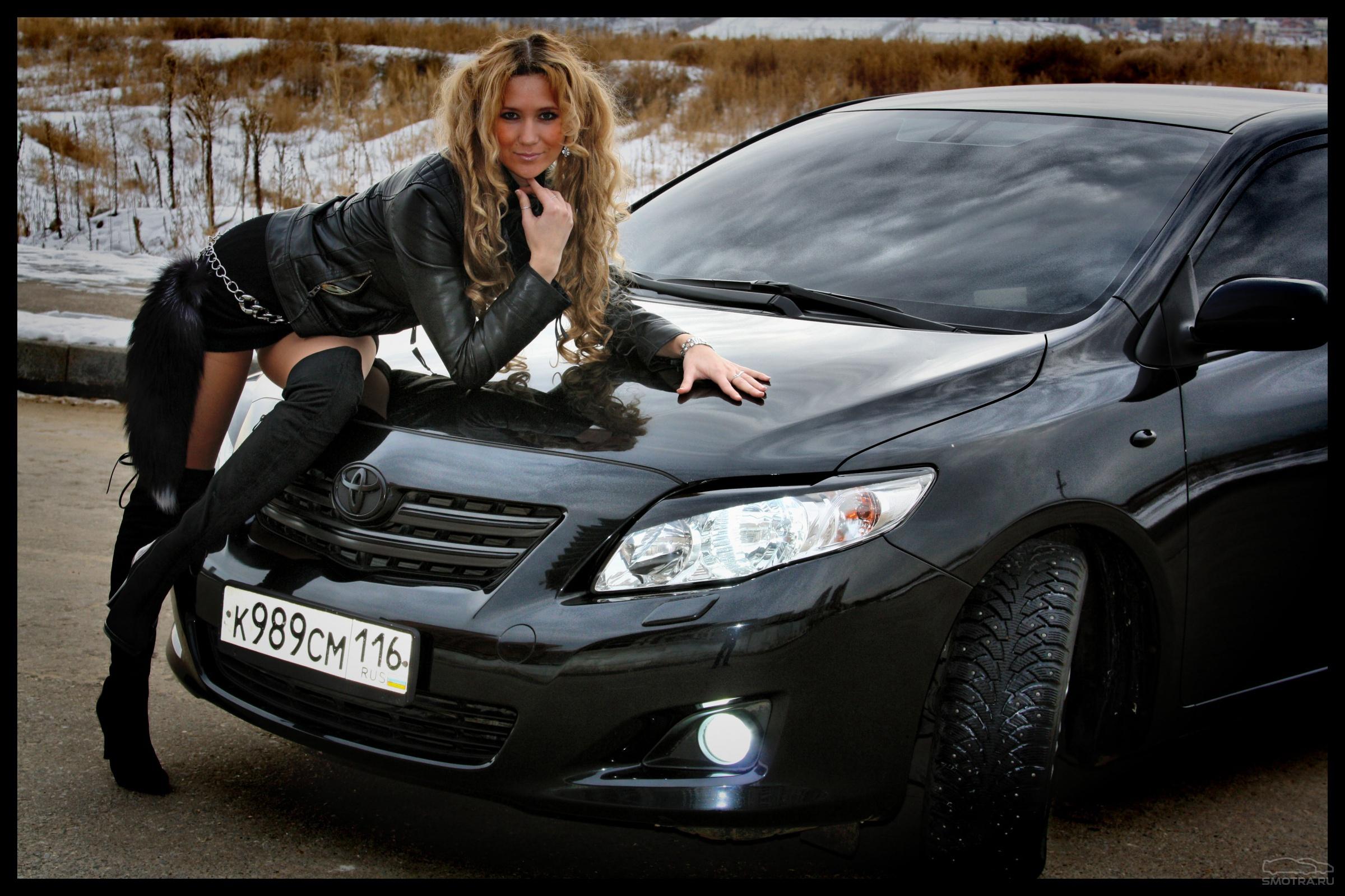 Фотки девушек около машин 6 фотография