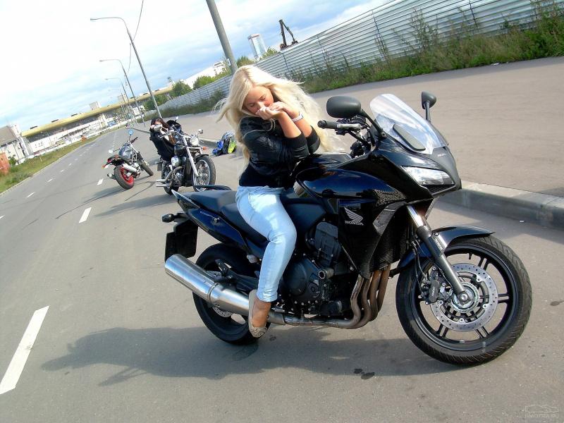 Пизда на мотоциклы
