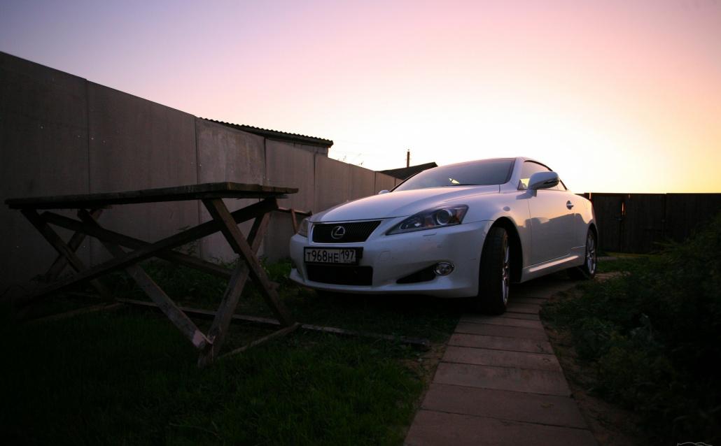 Lexus IS-Coupe-Convertible Jonathan Livingston